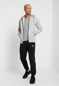 Nike Sportswear - CLUB FULL ZIP HOODIE - Collegetakki - dark grey heather/white - 1