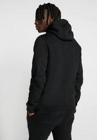 Nike Sportswear - CLUB FULL ZIP HOODIE - Huvtröja med dragkedja - black/black/white - 2