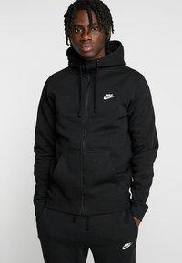 Nike Sportswear - CLUB FULL ZIP HOODIE - Huvtröja med dragkedja - black/black/white - 0