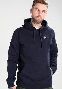 Nike Sportswear - CLUB HOODIE - Hoodie - dark blue - 0