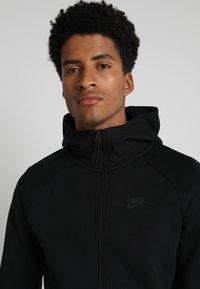 Nike Sportswear - TECH FULLZIP HOODIE - Mikina na zip - black - 3