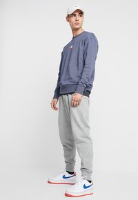 Nike Sportswear - HERITAGE - Sweatshirt - midnight navy - 1