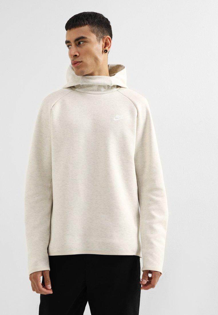 Nike Sportswear - TECH HOODIE - Jersey con capucha - oatmeal heather