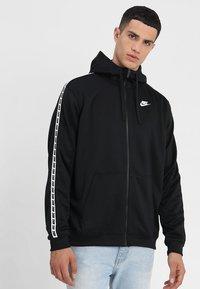 Nike Sportswear - REPEAT HOOD - Chaqueta de entrenamiento - black/white - 0