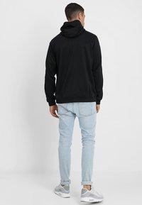 Nike Sportswear - REPEAT HOOD - Chaqueta de entrenamiento - black/white - 2