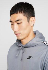 Nike Sportswear - REPEAT HOOD - Bluza z kapturem - cool grey - 4