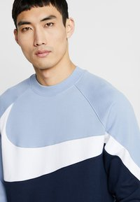 Nike Sportswear - CREW - Sweater - obsidian/white/indigo fog - 3