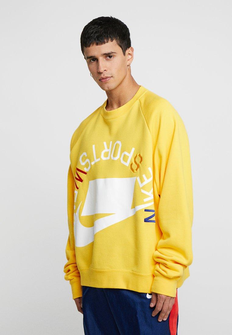 Nike Sportswear - CREW - Sweatshirt - amarillo/white