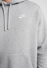 Nike Sportswear - Nike Sportswear Club Fleece Hoodie - Hoodie - grey heather/matte silver/white - 5