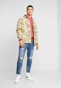 Nike Sportswear - CLUB HOODIE - Bluza z kapturem - cedar/white - 1