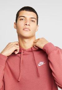 Nike Sportswear - CLUB HOODIE - Bluza z kapturem - cedar/white - 4