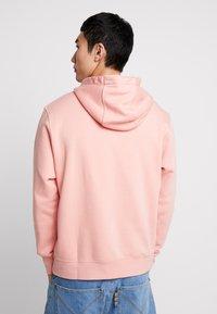 Nike Sportswear - CLUB HOODIE - Bluza z kapturem - pink quartz/white - 2