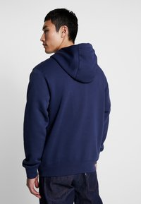 Nike Sportswear - CLUB HOODIE - Bluza z kapturem - midnight navy/white - 2
