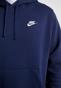 Nike Sportswear - CLUB HOODIE - Bluza z kapturem - midnight navy/white - 5