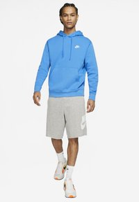 Nike Sportswear - CLUB HOODIE - Bluza z kapturem - light blue - 1