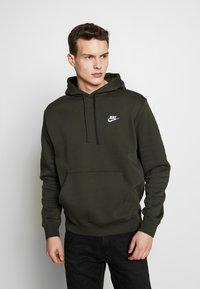 Nike Sportswear - CLUB HOODIE - Hoodie - sequoia - 0