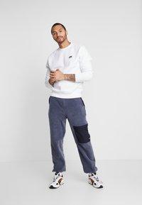 Nike Sportswear - CLUB - Sweatshirt - white - 1