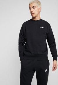 Nike Sportswear - CLUB - Sweatshirts - black/white - 0
