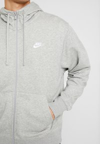 Nike Sportswear - CLUB HOODIE - Zip-up hoodie - grey heather/matte silver/white - 5
