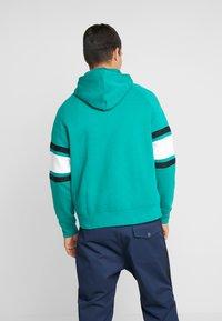 Nike Sportswear - HOODIE - Sudadera con cremallera - mystic green/white/black - 2