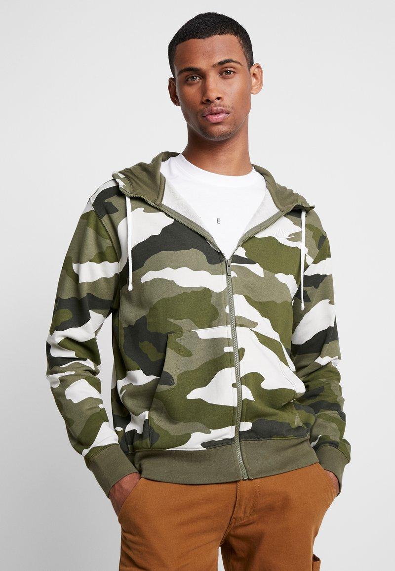 Nike Sportswear - CLUB HOODIE - veste en sweat zippée - medium olive/summit white