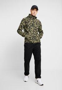 Nike Sportswear - HOODIE  - Hoodie met rits - medium olive/black - 1