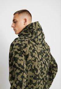 Nike Sportswear - HOODIE  - Hoodie met rits - medium olive/black - 3