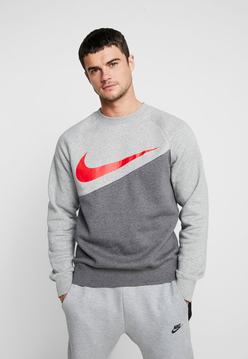 Nike Sportswear - CREW - Sweater - charcoal heathr/dark grey heather/university red