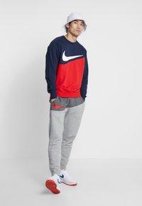 Nike Sportswear - Sweatshirt - university red/obsidian - 1