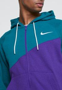 Nike Sportswear - HOODIE - Collegetakki - court purple/geode teal/white - 5