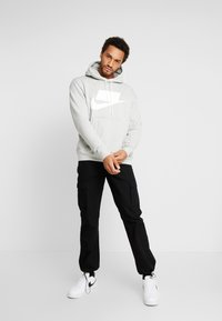 Nike Sportswear - Hoodie - grey heather/white - 1