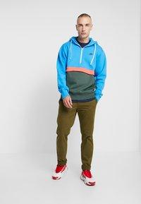 Nike Sportswear - CLUB HOODIE - Hoodie - photo blue/galactic jade/white - 1