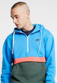 Nike Sportswear - CLUB HOODIE - Hoodie - photo blue/galactic jade/white - 3