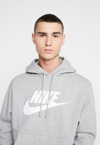 Nike Sportswear - CLUB - Felpa con cappuccio - dark grey heather/dark steel grey/white - 3