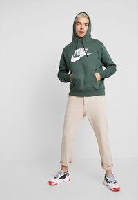 Nike Sportswear - CLUB - Mikina skapucí - galactic jade - 1