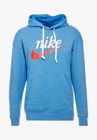 Nike Sportswear - HERITAGE HOODIE  - Hoodie - battle blue heather - 4