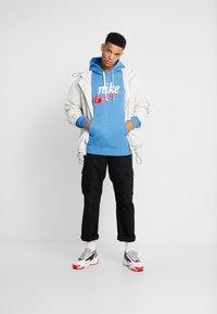Nike Sportswear - HERITAGE HOODIE  - Hoodie - battle blue heather - 1