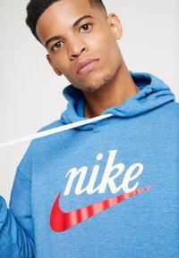 Nike Sportswear - HERITAGE HOODIE  - Hoodie - battle blue heather - 5