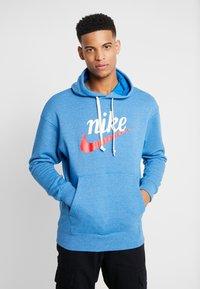 Nike Sportswear - HERITAGE HOODIE  - Hoodie - battle blue heather - 0