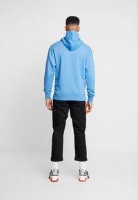 Nike Sportswear - HERITAGE HOODIE  - Hoodie - battle blue heather - 2