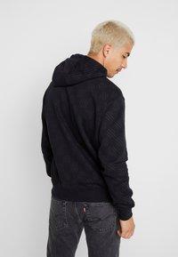 Nike Sportswear - HOODIE TRIPLE  - Hoodie - black - 2