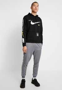 Nike Sportswear - CLUB HOODIE - Sweat à capuche - black - 1