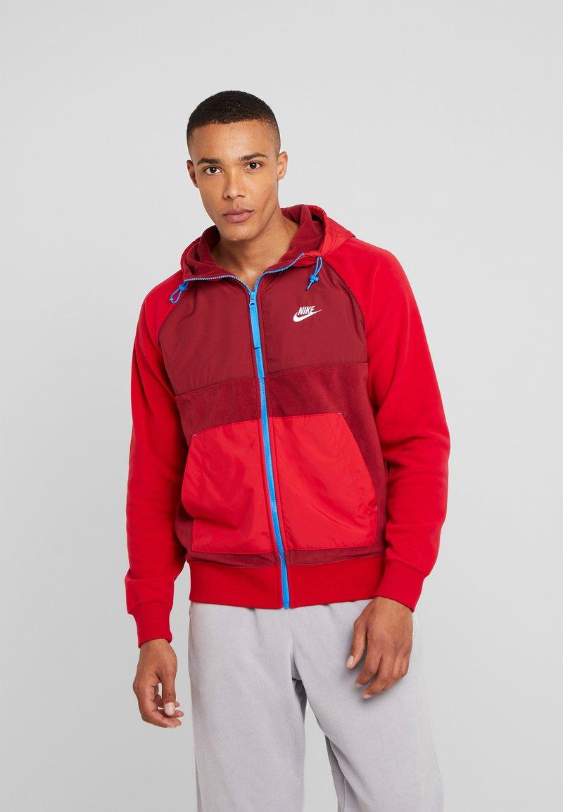 Nike Sportswear - HOODIE WINTER - Fleecejas - red