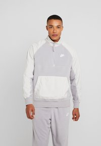 Nike Sportswear - WINTER - Fleece trui - atmosphere grey/light bone/white - 0