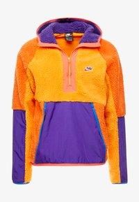 Nike Sportswear - HOODIE - Hoodie - kumquat/court purple/starfish - 3