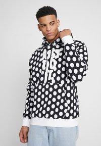Nike Sportswear - HOODIE - Sweat à capuche - black/white - 0