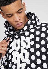 Nike Sportswear - HOODIE - Sweat à capuche - black/white - 3