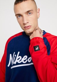 Nike Sportswear - CREW MIX  - Sweater - blue void/university red/white - 4