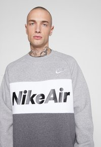Nike Sportswear - AIR - Sweatshirt - grey heather - 4