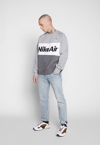 Nike Sportswear - AIR - Sweatshirt - grey heather - 1